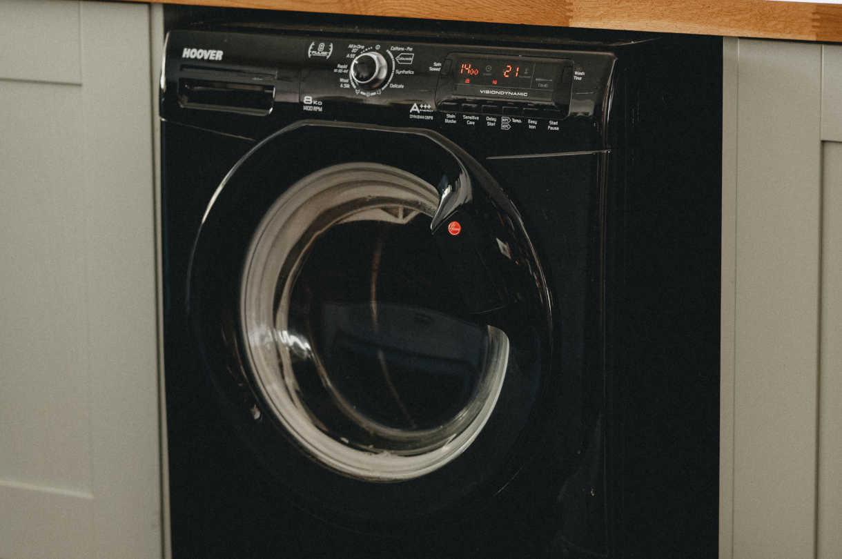 Jak zaaranżować domową pralnię